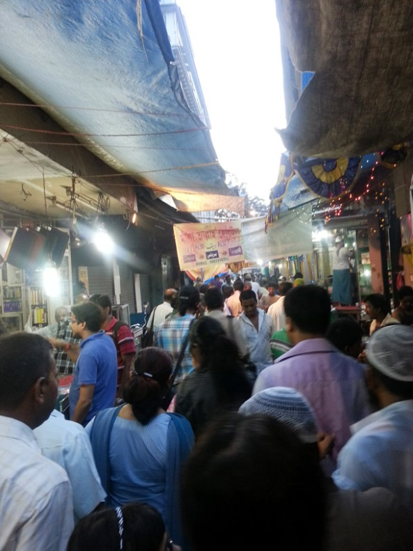 Immersing myself in the crowd, Ramadan Walk with Calcutta Walks