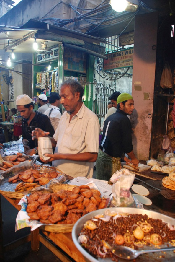 Ramadan Food stalls aroud Tipu Sultan Mosque